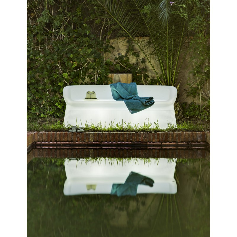 Sof iluminado lounge genova para exterior for Sofas exterior polietileno